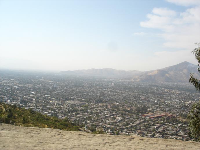 Vista da cidade durante o trajeto até o topo do Cerro San Cristóbal